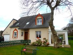 Well presented detached house close to village near Combourg. 204,580 € FAI