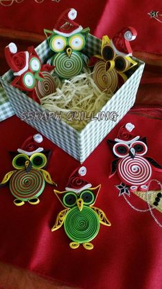 Set of 6 Assorted Quilled Christmas Owls – Quilling Christmas Ornament - Christmas Party Favors - Gifts for Guests Paper Quilling For Beginners, Paper Quilling Tutorial, Paper Quilling Patterns, Quilling Techniques, Quilling Ideas, Paper Quilling Jewelry, Quilled Paper Art, Quilling Paper Craft, Paper Crafts