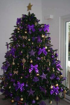 Top Purple Christmas Trees Decorations - Christmas Celebration - All about Christmas Purple Christmas Tree Decorations, Christmas House Lights, Gold Christmas Tree, Beautiful Christmas Trees, Holiday Tree, Christmas Colors, Christmas Photos, All Things Christmas, Christmas Holidays