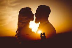 Миша&Юлиана by Ivan Popov on - Hochzeit - Photographie Indian Wedding Couple Photography, Wedding Couple Photos, Wedding Picture Poses, Couple Photography Poses, Wedding Pictures, Creative Couples Photography, Couple Shoot, Wedding Fotos, Wedding Ideias