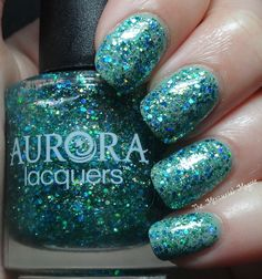 Green nails with glitters, Aurora Lacquers Nixie, Fairy manicure