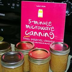 My So Called Green Life.: Canning apple butter in the microwave {With metal lids! Canning Apples, Canning Tips, Home Canning, Canning Recipes, Canned Food Storage, Apple Butter, Preserving Food, Food Hacks, Preserves