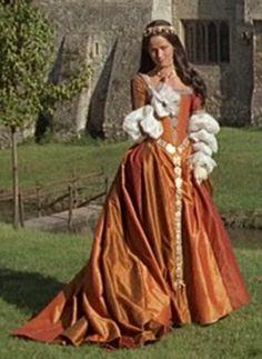 Tudor Costumes, Medieval Costume, Medieval Dress, Period Costumes, Movie Costumes, Tudor Fashion, Renaissance Fashion, Renaissance Era, Beautiful Costumes