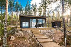 Modern Cabin in Finland Small House Design, Cottage Design, Modern House Design, Modern Bungalow, Modern Cottage, Home Building Design, Building A House, Contemporary Cabin, Shed Homes