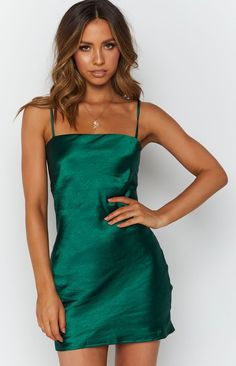 Green Satin Dress, Short Green Dress, Dress Lace, Party Wear Indian Dresses, Cute Dresses For Party, Pretty Dresses, Party Outfits, Pretty Clothes, Night Outfits