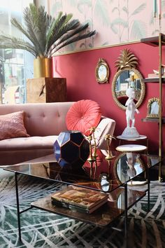 Home Interior Vintage Home Living Room, Living Room Decor, Gouts Et Couleurs, Home Interior, Interior Design, Trendy Furniture, Quirky Home Decor, Aesthetic Rooms, Home Decor Accessories