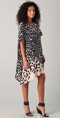 Stunning DVF Hanky dress. Definitely a want! Can work on a curvy body too!