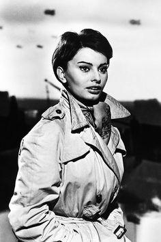 Brigitte Bardot to Kate Moss, How to wear a trench coat   Vogue Paris