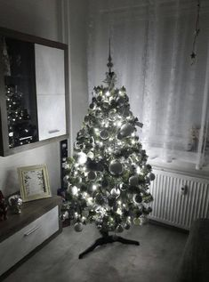 Kupte si tuto krásu v předstihu za super cenu 🎄  Zde: www.mujstromecek.cz  #vanoce #ceskarepublika #vanocnistromek #vanocnistromecek #vanocnistrom #vánočnístromeček #kup #czechrepublic #ostrava Christmas Tree, Holiday Decor, Home Decor, Teal Christmas Tree, Homemade Home Decor, Xmas Trees, Interior Design, Christmas Trees, Home Interiors