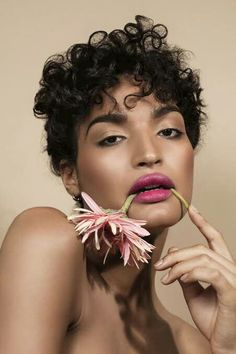 Indya moore pretty people, beautiful people, black is beautiful, gorgeous women, kiss Black Female Model, Female Models, Women Models, Black Models, Pretty People, Beautiful People, Most Beautiful, Black Power, Model Face