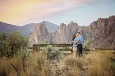 Gorgeous engagement photos at Smith Rock State Park in Terrebonne, Oregon photographed by @Silverleaf7 #engagementphotos