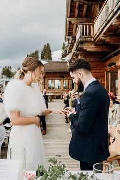 Bride and groom exchange rings on the terrace of the Bichl Alm Snowboard Wedding, Ski Wedding, Destination Wedding, Dream Wedding, Evening Wedding Receptions, Winter Wedding Ceremonies, Wedding Ceremony, Wedding Day Schedule, Best Wedding Gifts