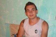 Jovem foge com carro da autoescola, se envolve em acidente e morre na BR-116 +http://brml.co/1yh2sqz