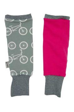 Mädels aufgepasst: Jetzt gibt es zu vielen Outfits auch Legwarmers mit dazu passendem Innenfutter.  An kalten Tagen für draußen über die Strumpfhose gezogen kuschelig warm -  an allen anderen Tagen ein zusätzlicher Hingucker – egal ob zum Rock, zum Kleid oder einfach lässig geschoppt über Hosen/Leggings. Socks, Leggings, Outfits, Fashion, Simple, Cold, Panty Hose, Trousers, Curve Dresses