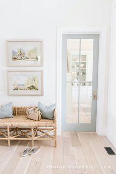 coastal entryway design // beach inspired home // light wood floors // rattan woven bench Boho Living Room, Home And Living, Bench In Living Room, Coastal Living, Entry Way Design, Ideas Hogar, Style Deco, 3d Home, Home And Deco