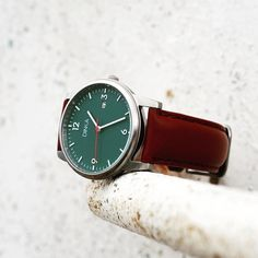 The stunning Classic Green from @dinkawatches.com. What are your thoughts about the green dial?      #dailywatch #watch #watchstyle #instawatch #menwatch #watchoftheday #mensgoods #menstyle #instastyle #timepiece #klocka #mrwatchguide #watchmania #accessories #preppy #inspiration #fashion #watchstrap #klocksnack #tidssonen #watchdaily #horology #watchporn #wristwatch #wotd #dinkawatches #vintage #dinka