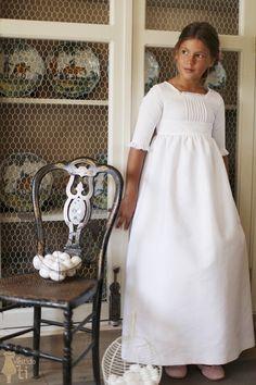 Vestido de Primera Comunión Bolillos First Communion Dresses, Baptism Dress, Little Dresses, Girls Dresses, Flower Girl Dresses, Junior Bridesmaid Dresses, Girl Model, Kids Wear, Baby Dress