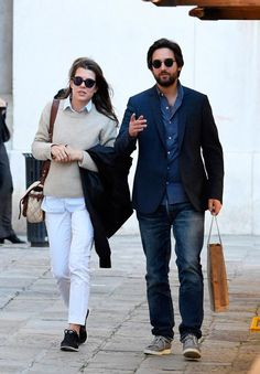 """howtodresslikeaprincess: """" In May Charlotte Casiraghi made a trip to Venice in Italy alongside her boyfriend, film producer and long time family friend Dimitri Rassam. Charlotte has been in Venice for. Grace Kelly Style, Princess Grace Kelly, Princess Charlotte, Hollywood Fashion, Royal Fashion, New My Royals, Monaco Royal Family, Patagonia Better Sweater, Stylish Couple"""