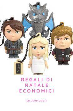 Regali simpatici ed economici per gli appassionati della serie, tutte le proposte nel post sul blog . . . . #regalieconomici #regali #natale #economia #serietv #gameofthrones Game Of Thrones, Alice, Blog, Character, Blogging