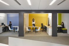 Creative huddle rooms for the office