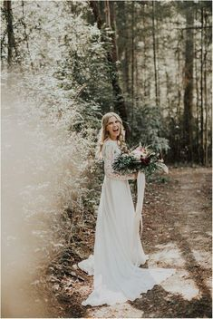 Washington Forest Wedding – India Earl Photography Sydney + Garrett Got to explore Washington and Fox Island for the weekend with these two, and man it was incredible. We started the wedding off the night Forest Wedding, Dream Wedding, Wedding Day, Wedding Decor, Wedding Bride, Perfect Wedding, Wedding Venues, Boho Wedding Dress, Bridal Dresses