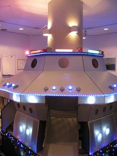 The cardboard giant UFO was the greatest thing ever. | Flickr - Photo Sharing!