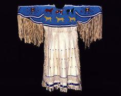 Google Image Result for http://www.bbhc.org/site_media/uploads/explore_plains_indian/lakota_dress_na.202.70_lrg.jpg