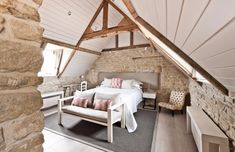 Carole Bamford — she doesn't use her title for work — has just added to her Cotswolds fiefdom by doing up a smattering of farm buildings that overlook her Daylesford Organic shop and restaurant in Wood Store, Cottage Interiors, Cotswold Cottage Interior, Country Interiors, Farmhouse Interior, Farmhouse Decor, Daylesford, Farm Stay, Double Bedroom