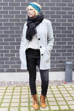 Autumn outfit / Black, grey and petrol blue / Kotisaari blog
