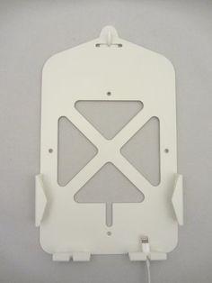 iPad mini 壁掛けホルダー 充電  収納 コネクタホールド付 【特許取得済】 日本製 iClover miniホワイト スマイルリンク工房, http://www.amazon.co.jp/dp/B00C5E9Y9M/ref=cm_sw_r_pi_dp_bQSxrb1KEV1PC
