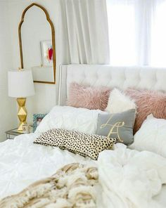 Here are some doable living room decor and interior design tips that will make your home cozy and comfortable for family and friends. Feminine Bedroom, Glam Bedroom, Home Bedroom, Bedroom Romantic, Bedroom Inspo, Chic Bedroom Ideas, Blush Bedroom Decor, Bedroom Mirrors, Master Bedrooms
