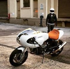 Moto Ducati, Ducati Cafe Racer, Ducati Motorcycles, Cafe Racer Bikes, Cafe Racer Motorcycle, Ducati Sport Classic 1000, Ducati Classic, Motorbike Design, Cafe Racing