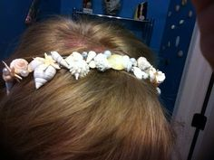 shell headband. This would be cute for a beach wedding!