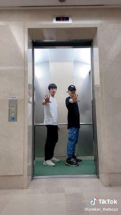 Dance Choreography Videos, Dance Videos, Korean Boys Hot, Dance Kpop, Kpop Gifs, Sebaciel, Eric Nam, Cool Dance, Prince Eric
