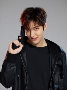 The Friendliest Newsbase For Korean Wave Fans in Indonesia City Hunter, Boys Over Flowers, New Actors, Actors & Actresses, Asian Actors, Korean Actors, Song Joong, Choi Jin, Lee Min Ho Photos