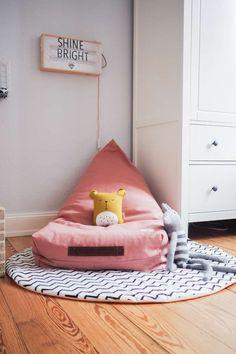 Leseecke im Kinderzimmer mit kyddo. Hier trifft schönes Design auf ökologische und nachhaltige Produkte für's Kinderzimmer.