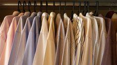As camisas devem ser organizadas de acordo com a estampa. - camisas organizadas