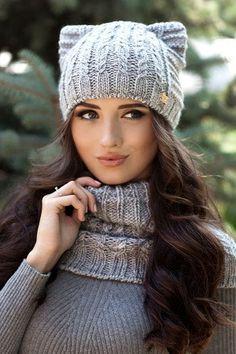 Crochet Christmas Hat Pattern Crochet Flower Pattern For Baby Hat Crochet Hard Hat Pattern Free Black Trucker Hat Crochet Baby Hats, Knitted Hats, Black Trucker Hat, Crochet Christmas Hats, Ear Hats, Crochet Flower Patterns, Knit Cowl, Glamour, Cool Hats