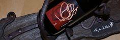 Fusión de dos Oficios/Artes en una imagen. La pureza de la Forja potenciada por las evocaciones del Vino. Trossos Vells 2011 / D.O. Montsant