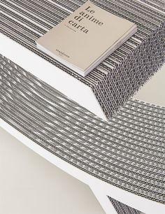 Olga in versione silver ed ecocuoio bianco | design robertopamio+partners www.staygreen.it