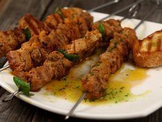 Frigarui din muschiulet de porc Tandoori Chicken, Philadelphia, Cheesecake, Cooking, Ethnic Recipes, Honey, Pork, Crickets, Kitchen