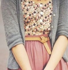 cute outfits with a skirt best outfits - Page 4 of 101 - What to Wear Ideas Look Fashion, Fashion Beauty, Autumn Fashion, Womens Fashion, Jw Fashion, Floral Fashion, Office Fashion, Hijab Fashion, Retro Fashion