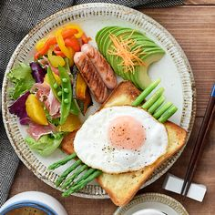 Home Recipes, Cobb Salad, Sweet Home, Food And Drink, Cheese, Dishes, Chicken, Breakfast, Ethnic Recipes