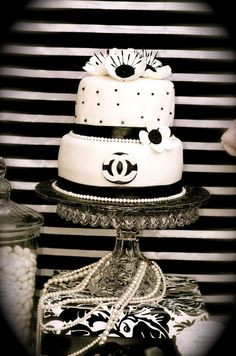 Black and white cake at a Coco Chanel Paris Party #cocochanel #pariscake