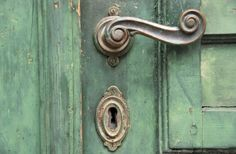 A vintage door ( want to take a photo like this one )