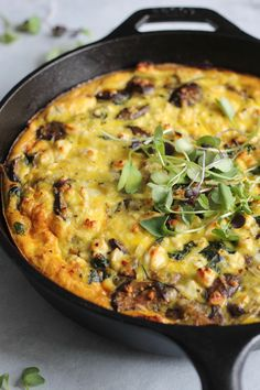This easy and impressive Spinach, Mushroom and Artichoke Quiche with Spelt Crust makes the loveliest brunch dish! Or enjoy it for dinner with a leafy green salad. Spinach Quiche Recipes, Spinach Frittata, Artichoke Recipes, Paleo Quiche, Breakfast Frittata, Breakfast Casserole, Brunch Dishes, Brunch Recipes, Healthy Eating