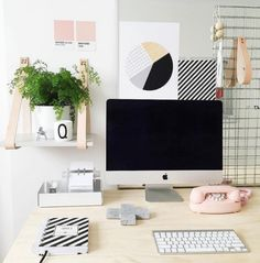 6 Stylish Home Offices that you can actually re-create at home from @Clare | Hobbes & Co (Branding & Design for Creatives) via @findingmyutopia Home Office Space, Office Workspace, Small Office, Home Office Decor, Office Furniture, Bureau Design, Office Interior Design, Office Interiors, Leather Strap Shelves