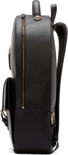 Stuctured leather backpack. I saw one like this once at a cartoleria in Italy and I wanted it so bad. Except it was like 600 euro.