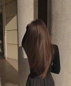not my image unless otherwise stated :) Brown Blonde Hair, Straight Brunette Hair, Dark Brunette Hair, Aesthetic Hair, Brunette Aesthetic, Dream Hair, Brown Hair Colors, Brown Hair Inspo, Grunge Hair