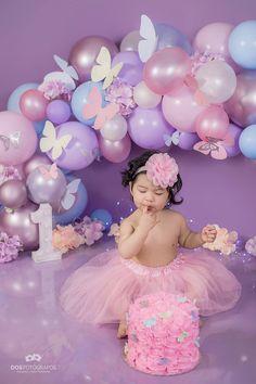 1st Birthday Girl Decorations, 1st Birthday Party For Girls, Birthday Cake Smash, Birthday Party Themes, Baby Birthday, Butterfly 1st Birthday, Butterfly Birthday Party, Birthday Girl Pictures, 1st Birthday Photoshoot